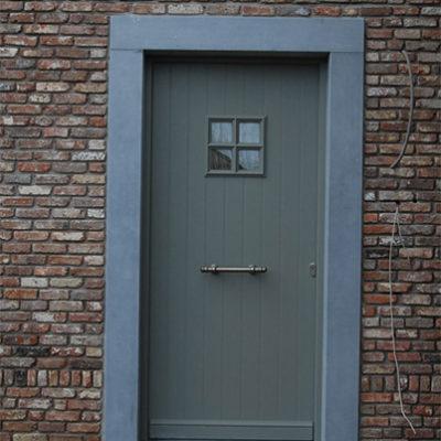 Presence Cottage voordeur met drievoudige beglazing en oplegkader