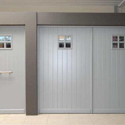 Pastorie kantelpoort in aluminium met Presence voordeur in partnerlook