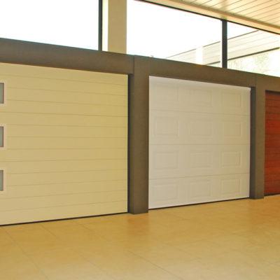 Sectionaalpoorten in aluminium staalplaat en hout